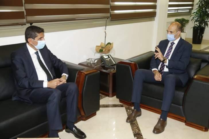 """وزير الصحة بحث في إستكمال تأهيل """"مستشفى بشري الحكومي"""""""