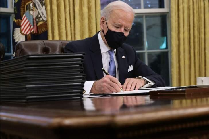 """بايدن يستهل ولايته الرئاسية بسلسلة أوامر تنفيذية: """"كورونا"""" والتغير المناخي والهجرة"""
