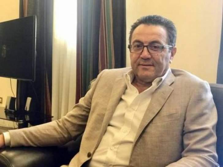 """مستشار الحريري: """"صندوق النقد"""" لم يقترح تحرير سعر صرف الليرة"""