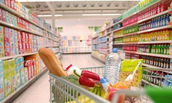 نقابة مستوردي المواد الغذائية: المخزون مهدد بالتناقص...