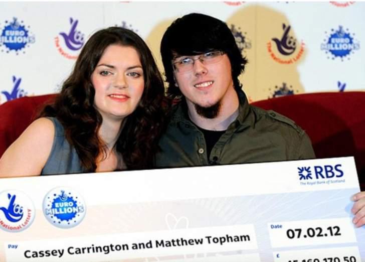 ربح 600 ألف جنيه إسترليني... فأهداها لحماته!