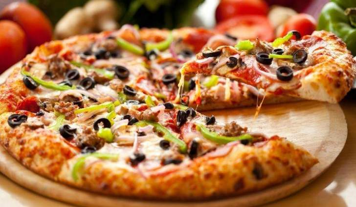 أغرب عملية سرقة... ماذا فعل اللص في مطعم البيتزا؟