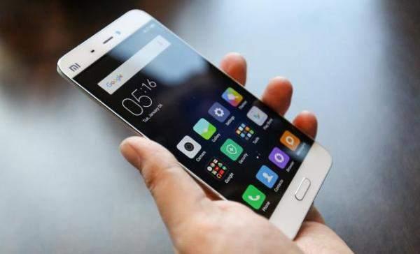 روسيا: ميزة فريدة في هاتف مسروق.. تكشف وجه اللص!!