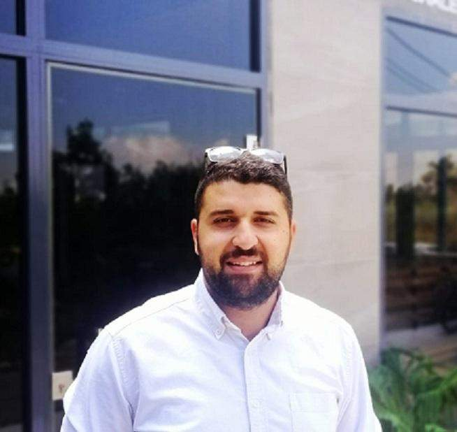 جلال العبنّي: تنظيمي لعملي ساعدني على تخطي كل الصعوبات
