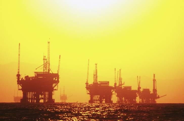 """النفط يتراجع أكثر من 2%.. """"برنت"""" يعود إلى مستوى 40 دولاراً للبرميل"""