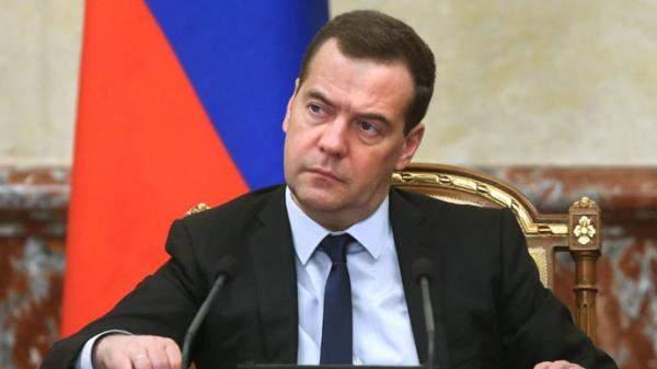 ميدفيديف: تشديد العقوبات ضد روسيا هو بمثابة إعلان حرب اقتصادية