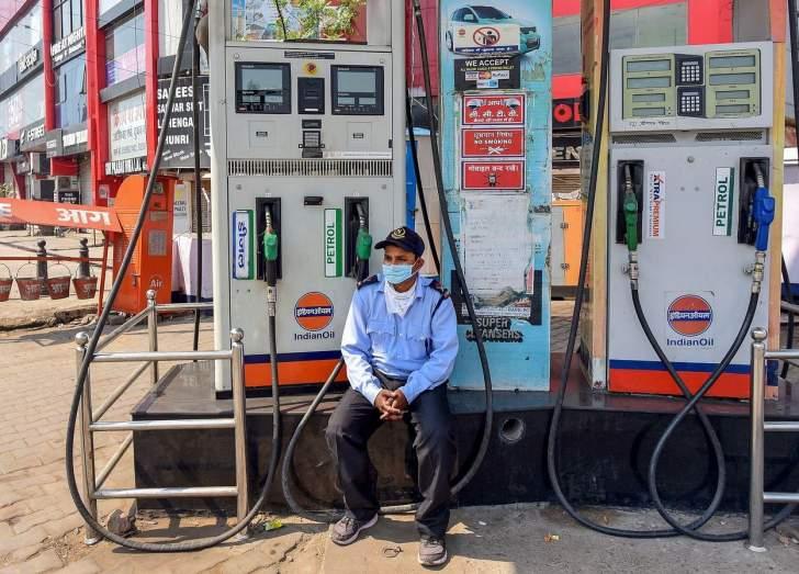 إنخفاض الطلب على الوقود في الهند 2.2% في كانون الثاني الماضي