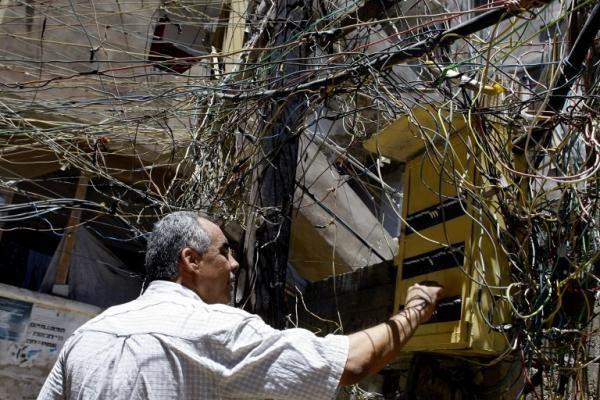"""لبناني يبتكر آلة لرفع الـ """"disjoncteur"""" عن بعد !!"""