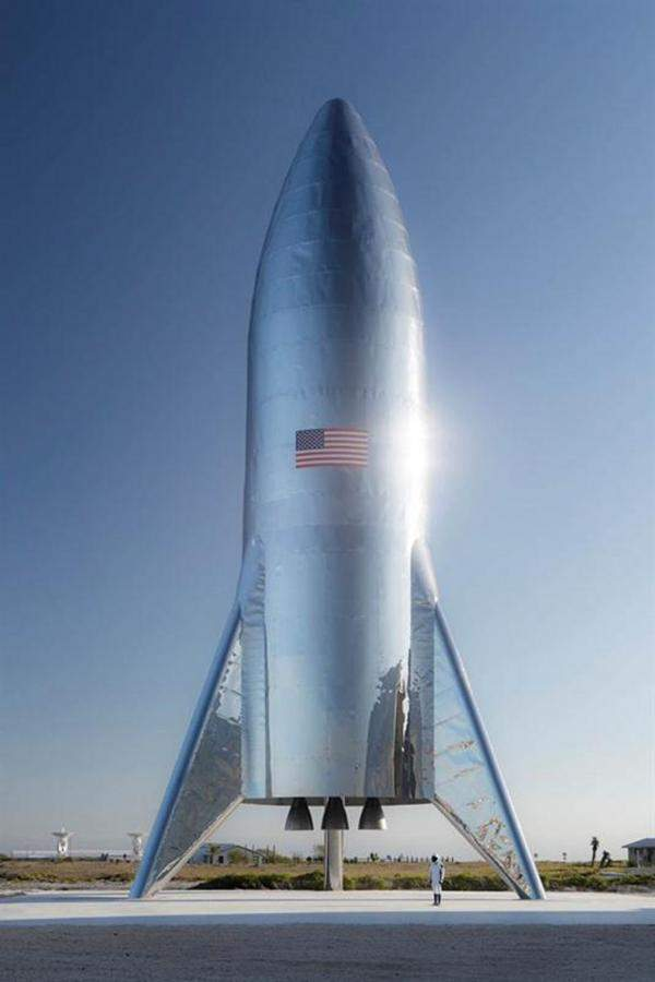 """الرئيس التنفيذي لـ""""تسلا"""" يعلن تجربة إطلاق صاروخ """"ستارشيب"""""""