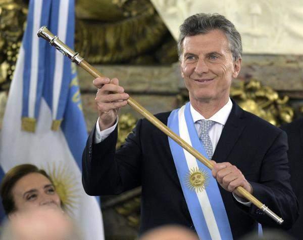 الرئيس الأرجنتيني: سأخفض الضرائب على الدخل