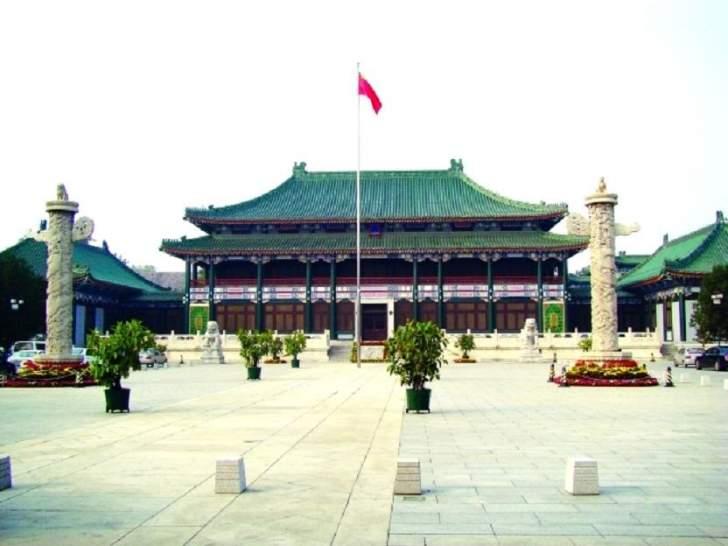 بيع مخطوطة صينية عمرها مئات السنوات بمبلغ قياسي 77 مليون دولار