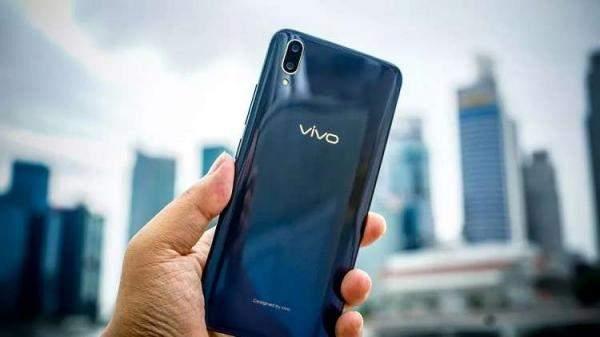 """Vivo"" تستعرض أحدث هواتفها ""V11"" و""آبل"" تقدّم براءة إختراع!"