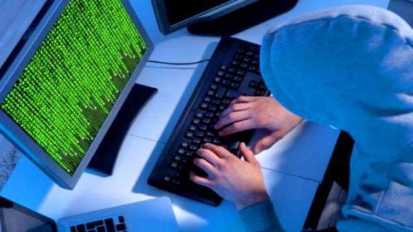 استطلاع: 1 من بين كل 3 شباب وقع ضحية للبلطجة الإلكترونية