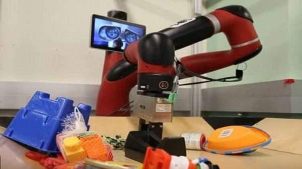 تعرف على روبوتات المستقبل وهاتف كأس العالم!!