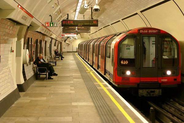 توقف 4.8 مليون رحلة اثر اضراب العمال في مترو لندن