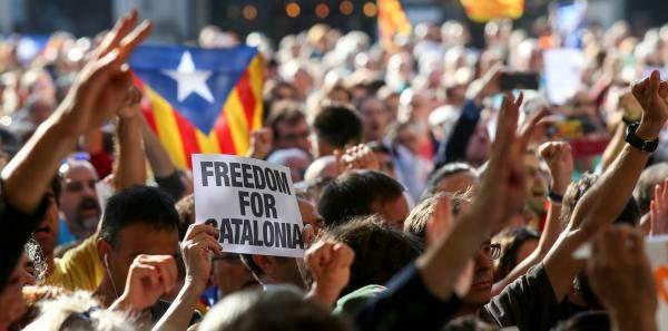 ازمة انفصال كتالونيا .... والتكلفة الاقتصادية المؤلمة على اسبانيا