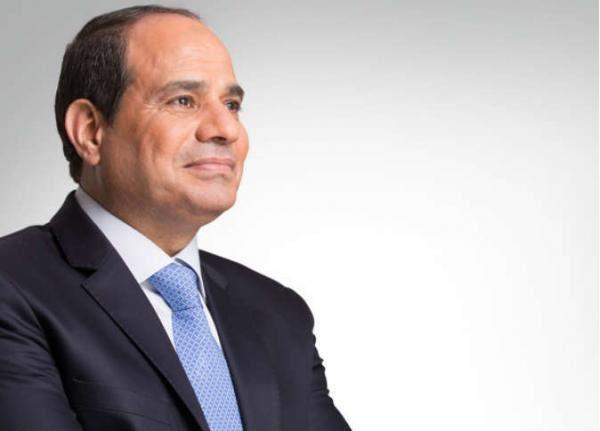 الرئيس المصري يدافع عن زيادة أسعار تذاكر المترو
