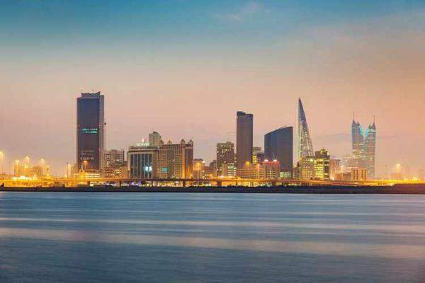 وزير المالية البحريني: نحن نحقق تقدماً جيداً في خططها لضبط الوضع المالي