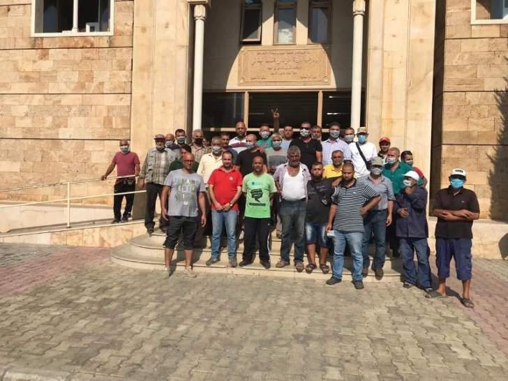 اعتصام لمياومي بلدية الميناء احتجاجا على عدم قبض رواتبهم