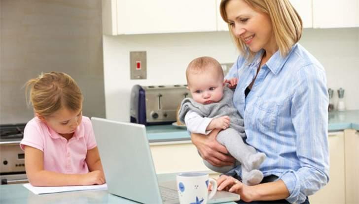 6 وظائف يمكن للأمهات القيام بها من المنزل لساعات قليلة يوميا