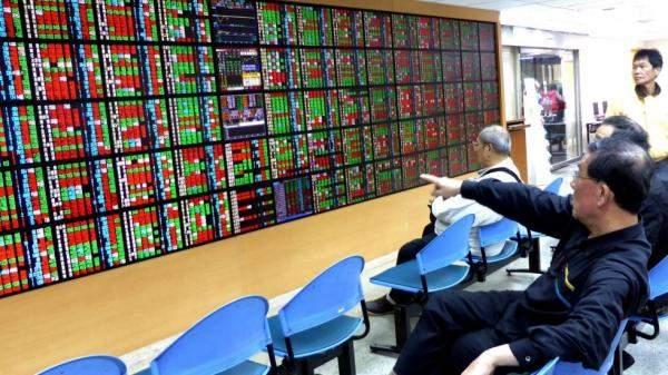 تراجع بورصة تايوان 0.40% وسط خسائر في قطاعاتالمكونات والآلات