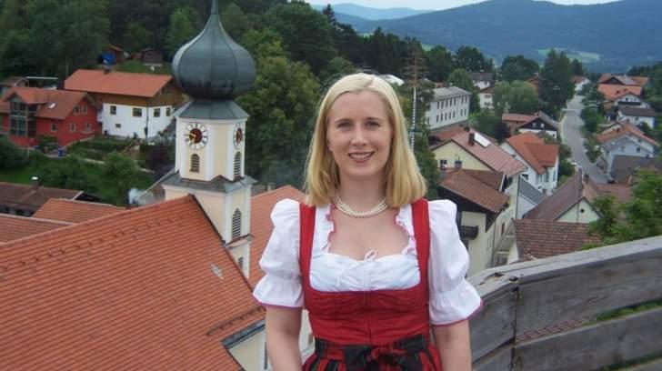 عمدة في بلدة ألمانية تبحث عن عريس... والسبب مضحك!