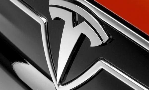 """""""مورغان ستانلي"""": هيمنة """"تسلا"""" على صناعة السيارات الكهربائية ستواجه منافسة شديدة قريباً"""