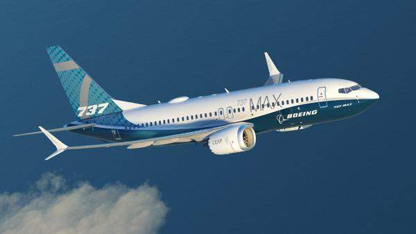 """الإمارات تعمل مع الطيران الفيدرالي الأميركي والوكالة الأوروبية لعودة """"بوينغ 737"""" إلى الأجواء"""