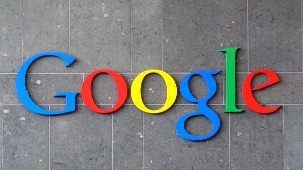 """""""غوغل"""" تحدث خاصية الترجمة الحية عبر الكاميرا لتدعم اللغة العربية"""