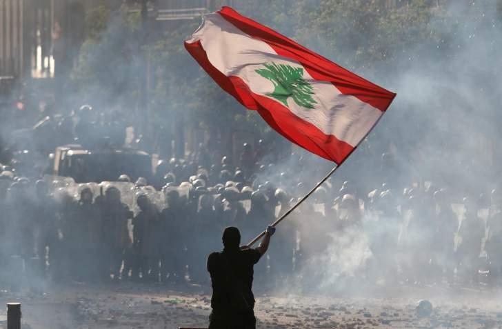 """لبنان في مواجهة """"الكاوبوي"""" الأميركي.. أزمات """"عاصفة"""" وحصار مالي ونقدي"""