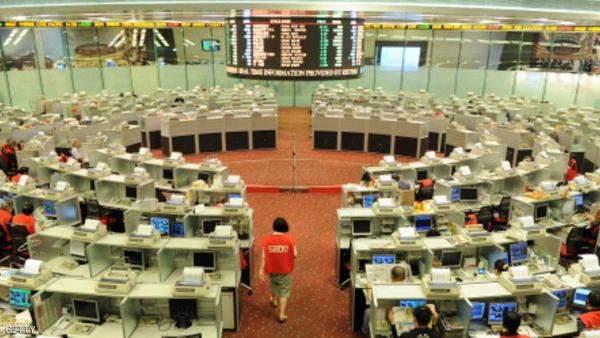 """بورصة """"هونغ كونغ"""" ترتفع نحو 4 % في ظل قرار وشيك لحل الأزمة السياسية"""