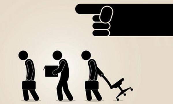 ماذا هو مصير الموظفين في حال انتقال ملكية الشركة؟ وكيف تحدد التعويضات في حالة الصرف الجماعي؟