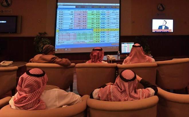 البورصة السعودية تتراجع 0.9% وتسجل أدنى إغلاق في نحو شهرين