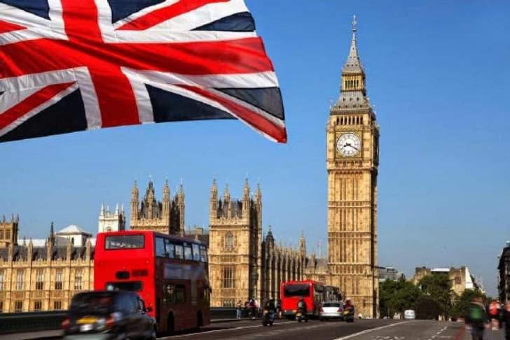 """بريطانيا تطلب 10 آلاف جهاز تنفس صناعي لمساعدتها على مواجهة """"كورونا"""""""