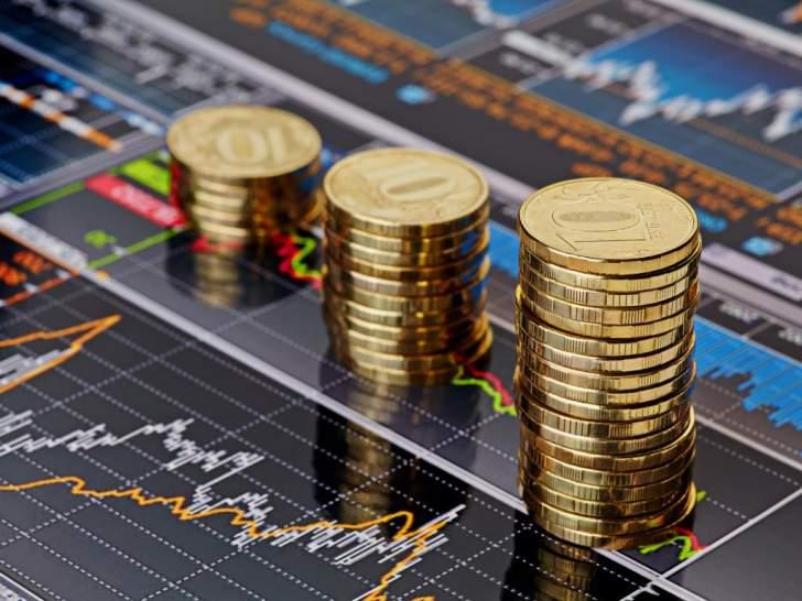 أسعار الذهب ترتفع داخل نطاق ضيق بعد تهاويها قرب مستوى 1910 دولارات