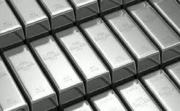 اسعار الفضة ترتفع بنسبة 1.3% إلى مستوى 17.95 دولار للأوقية