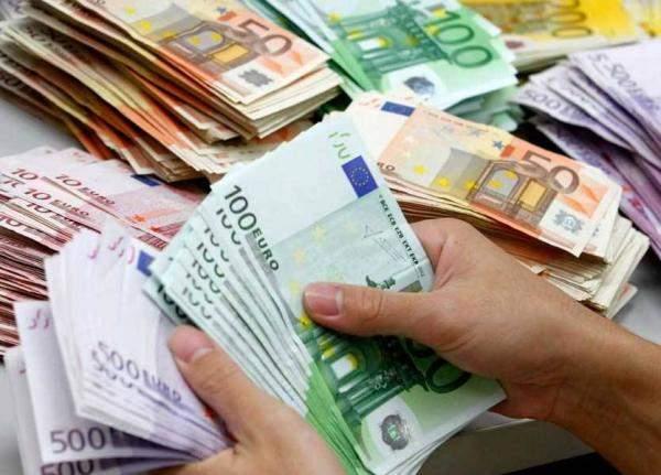 فاعل خير مجهول الهويةيقدم 200 ألف يورو للجمعيات!