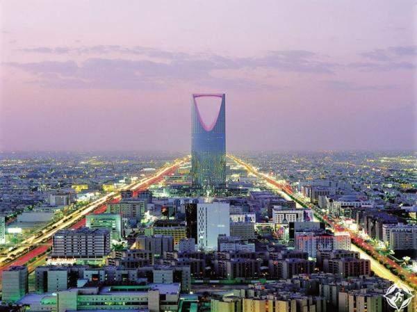 """أمير الرياض يفتتح فندق """"الفيرمونت"""" في البوابة الاقتصادية"""