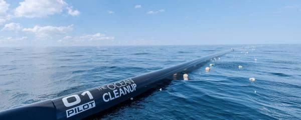 """""""Ocean Cleanup Project"""" نظامذكيلإزالة 88 ألف طن بلاستيك من المحيط الهادئ"""