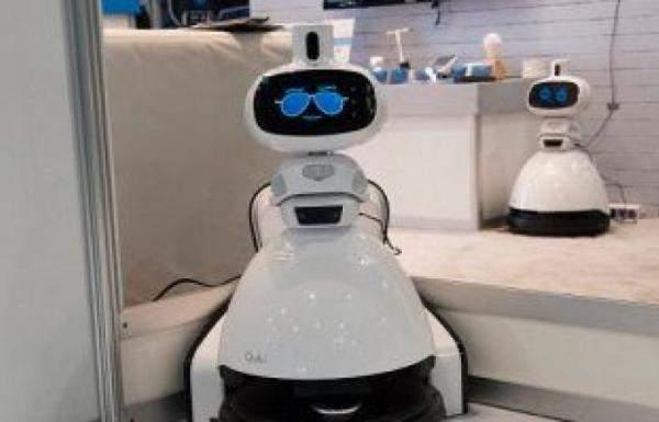"""""""Qubi"""": روبوت أمنd جديد لحراسة المنزل وتنظيفه"""