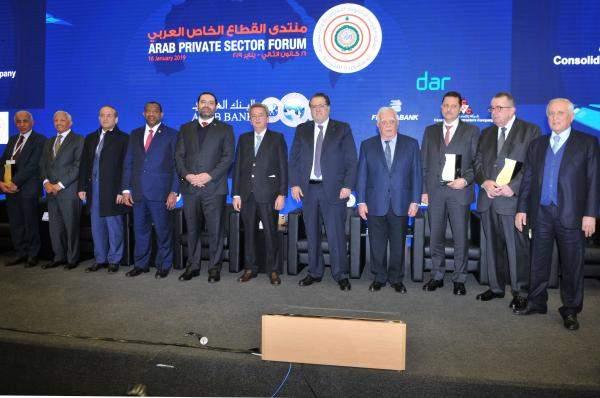 """الحريري من """"منتدى القطاع الخاص العربي"""": من الضروري القيام بتطوير التشريعات وبشكل مشترك بين البلدان العربية"""