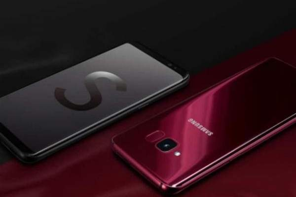 """""""سامسونغ"""" تكشف النقاب عن هاتفها """"Galaxy S Light Luxury"""" و""""Galaxy J8"""""""
